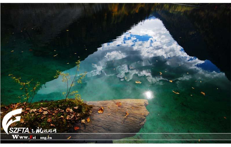 五花海湖水